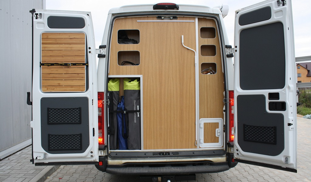 Re-equipment Iveco in to camper