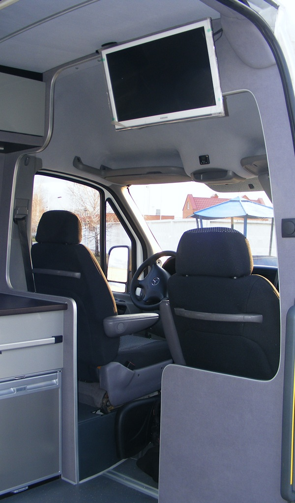 Re-equipment Mercedes Sprinter in to motorhome