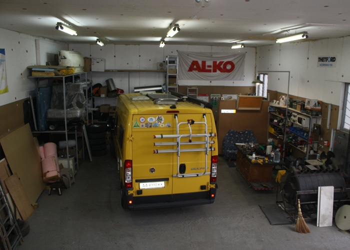 Repair and maintenance of motorhomes